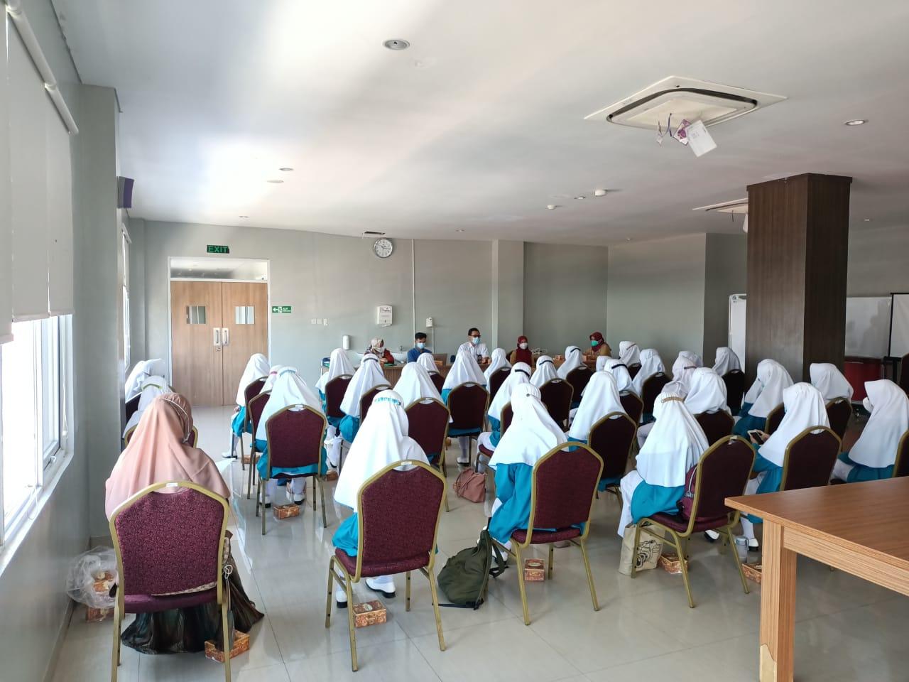 Pembukaan dan Penyerahan Praktik Belajar Lapangan (PBL) Mahasiswi Prodi D3 Kebidanan AKBID Graha Husada Cirebon di Masa Pandemi